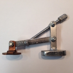 Magnetic plug weld tool